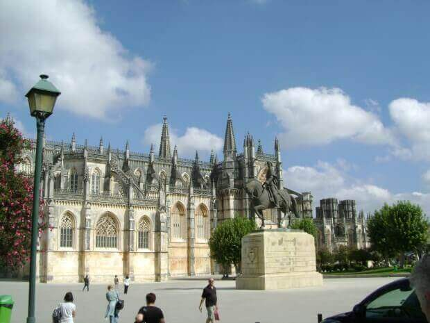 Tours to Batalha